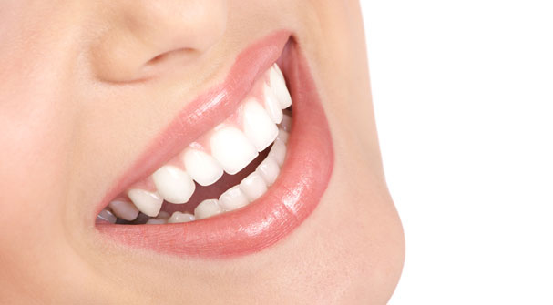 Pros and Cons of Different Teeth Whitening Products